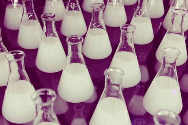 flasks-606611_1920